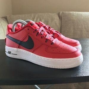 NEW Nike Air Force 1 NBA Red Black 820438-606